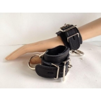 8 inches Leather Locking Buckle Cuffs Black